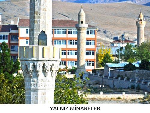 Yalnız Minareler